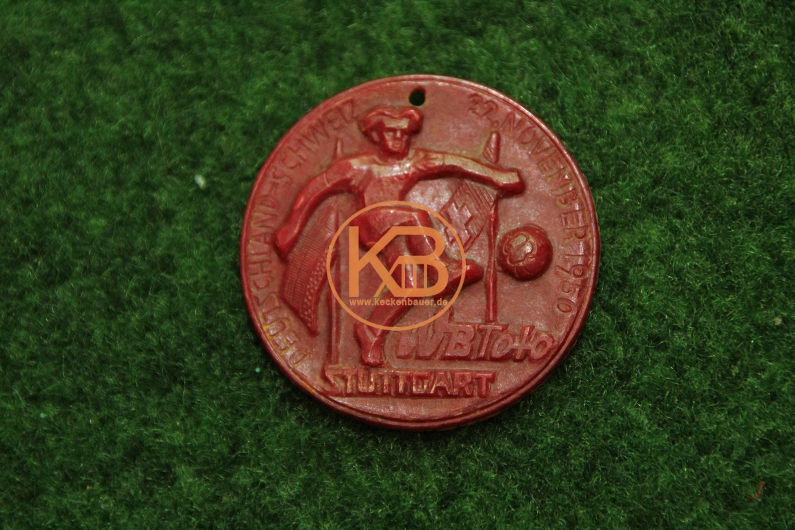 Alte Medaille vom Spiel Deutschland gegen die Schweiz am 22.11.1950 von VB Toto Stuttgart auf der Rückseite JBÜ SYIVIT 1/2