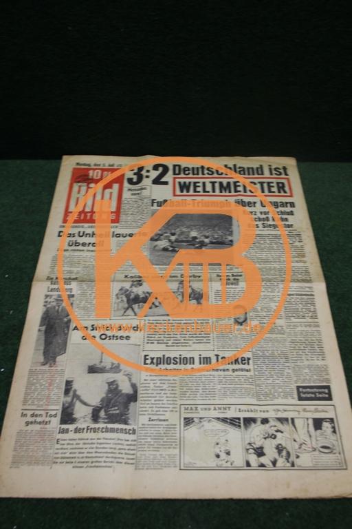 Bildzeitung vom 05.07.1954 am Tag nach dem WM Sieg der deutschen Fußballnationalmannschaft in Bern.