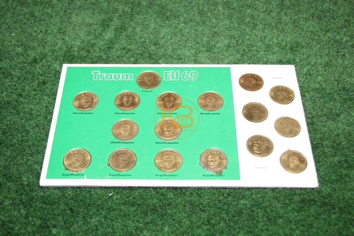 Sammelmünzen Traumelf 69 im 4/2/4 System