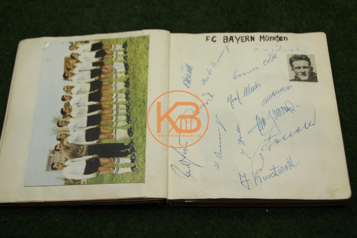Postkarte vom FC Bayern München mit den original Autogrammen aus dem Jahr 1963