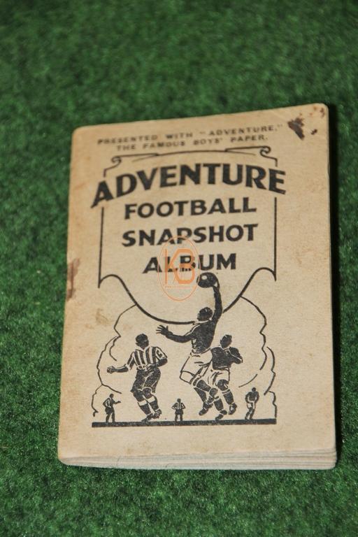 """Fußballsammelalbum """"Adventure Football Snapshot Album"""" aus England in den 1930er Jahren komplett"""