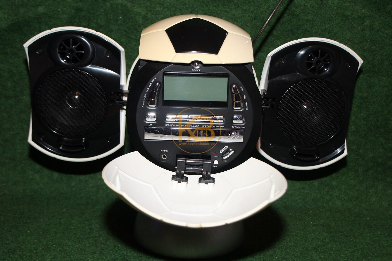 Radio-Cd-Player in Form eines  Fußballs mit Fuß, er ist 32 cm hoch 2/2