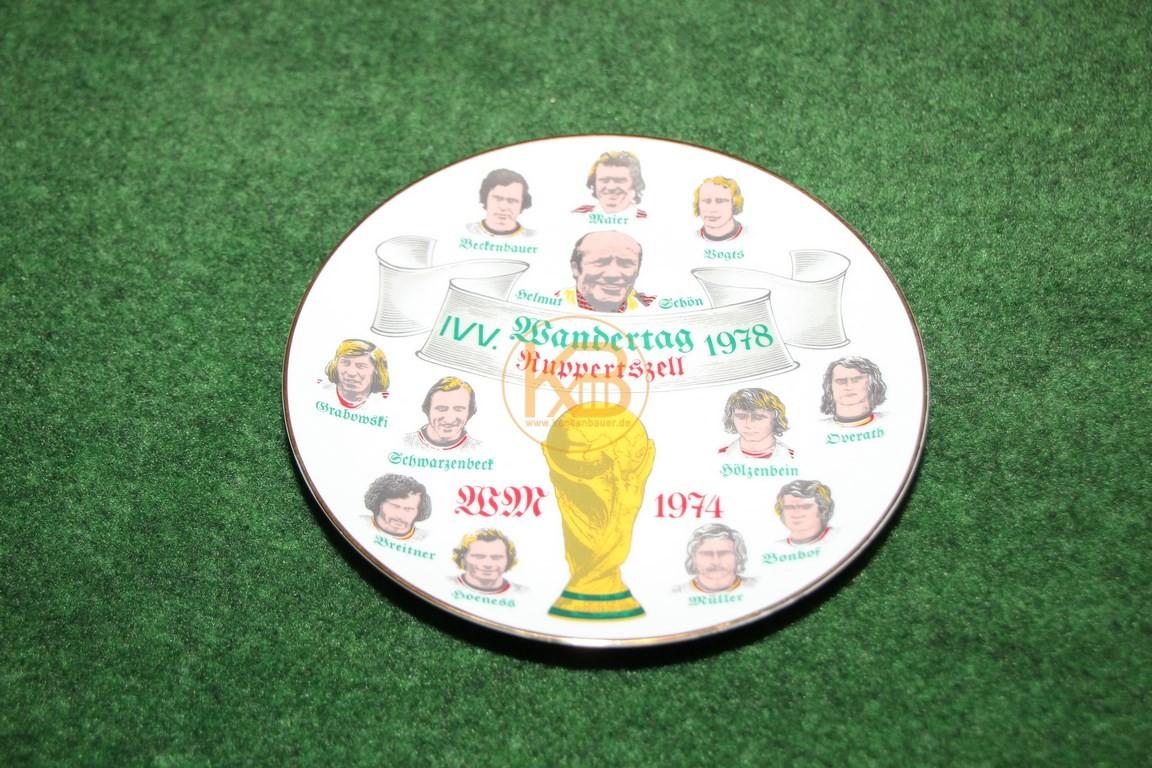Wandteller zur Weltmeisterschaft 1974 in Deutschland.
