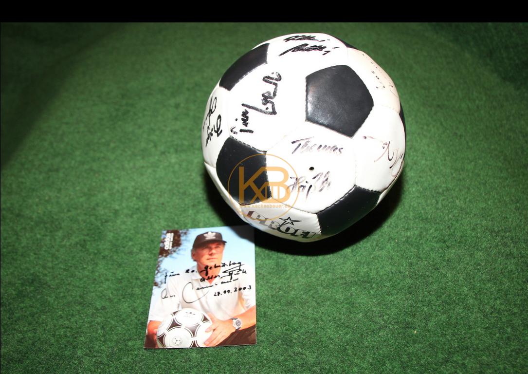 Profi mit den original Unterschriften der Weltmeister von 1990, es war ein Geschenk von Frank Beckenbauer an eine nicht zu nennende Person (siehe Karte)
