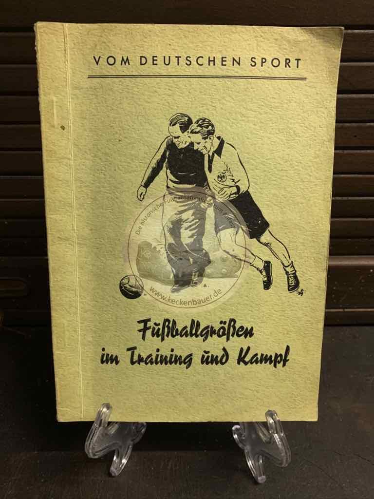 Vom Deutschen Sport Band 4. Fußballgrößen im Training und Kampf aus dem Jahr 1950