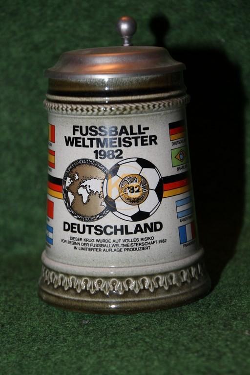 Sammelkrug Fußball-Weltmeister 1982 Deutschland (Fehldruck)