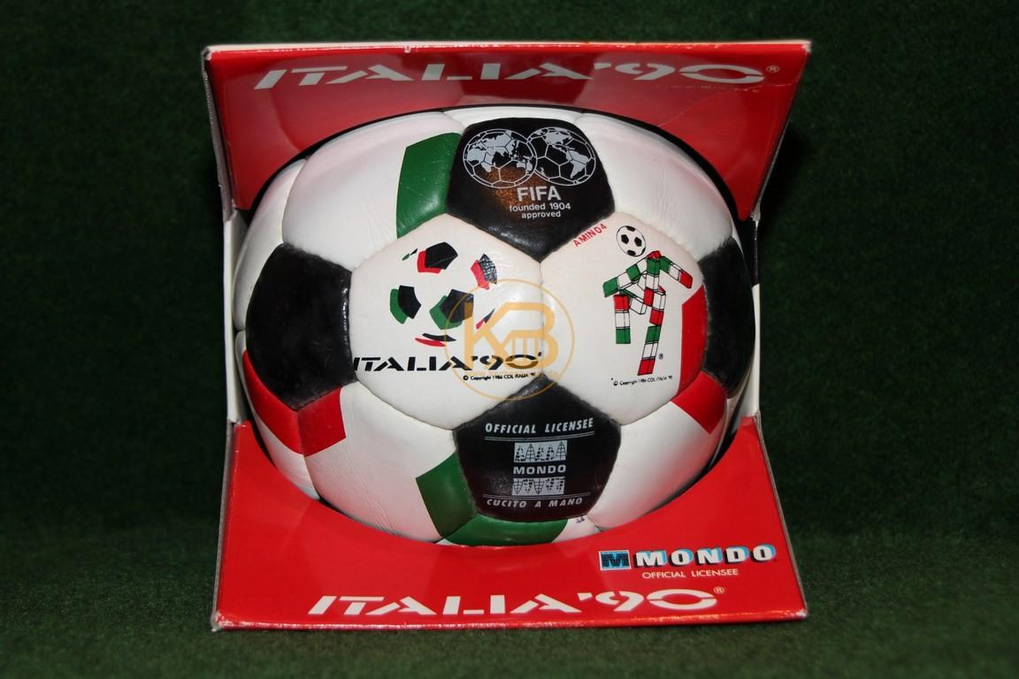 Offizieller Werbeball zur Weltmeisterschaft 1990 in der Originalverpackung.