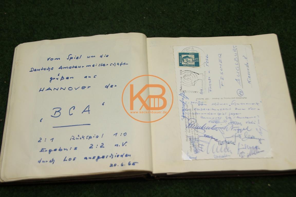 Postkarte mit den original Autogrammen vom BC Augsburg von dem Finale der deutschen Ama-teurmeisterschaft gegen Hannover96 (Amateure) aus dem Jahr 1965 1/2