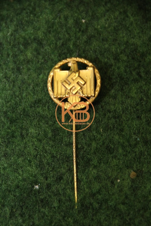 Meisternadel zum Gewinn der deutschen Fußball Meisterschaft 1938 durch Hannover 96