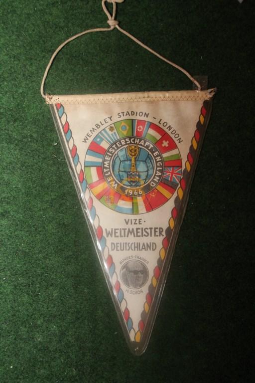 Fußballwimpel zum Vize-Weltmeistertitel 1966 1/2