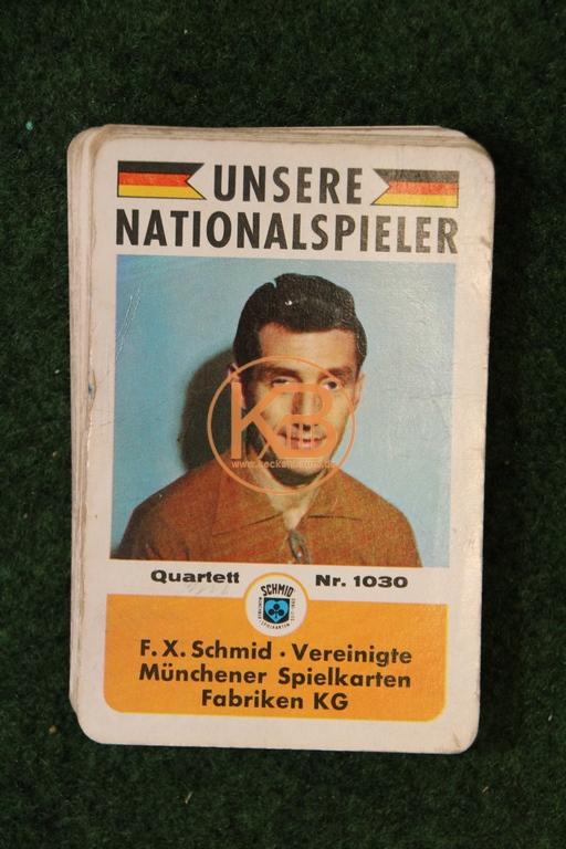 F.X. Schmid Vereinigte Münchener Spielkarten Fabriken KG Quartell Nr. 1030 Unsere Nationalspielerz.T. mit original Autogrammen.