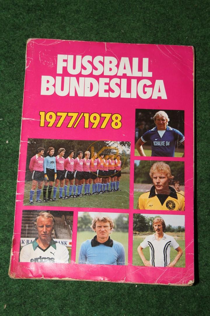 Panini Sammelalbum deutschen Fußball Bundesliga 1977/1978.
