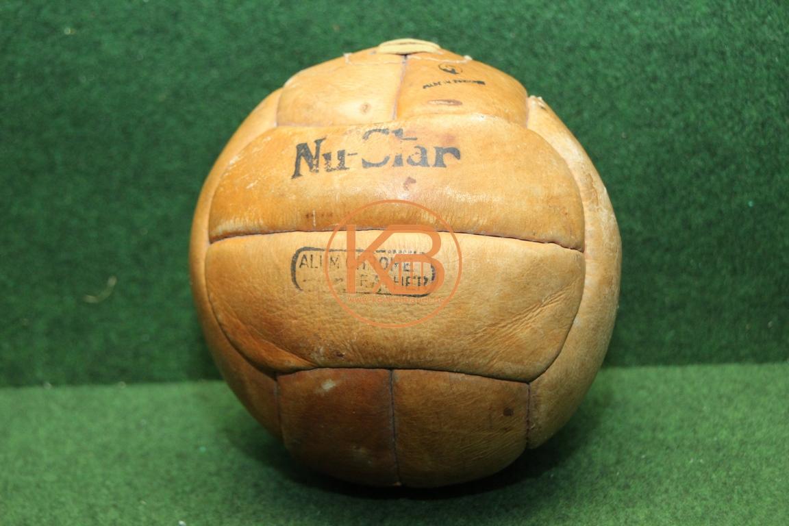 Alter Fußball Nu-Star aus Leder vermutlich aus den 1940ern