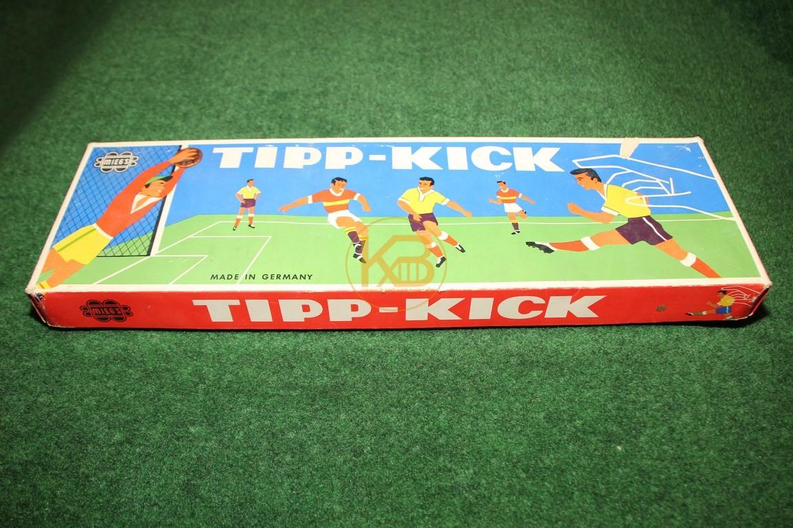 Altes Tipp-Kick Spiel aus den 1960ern.