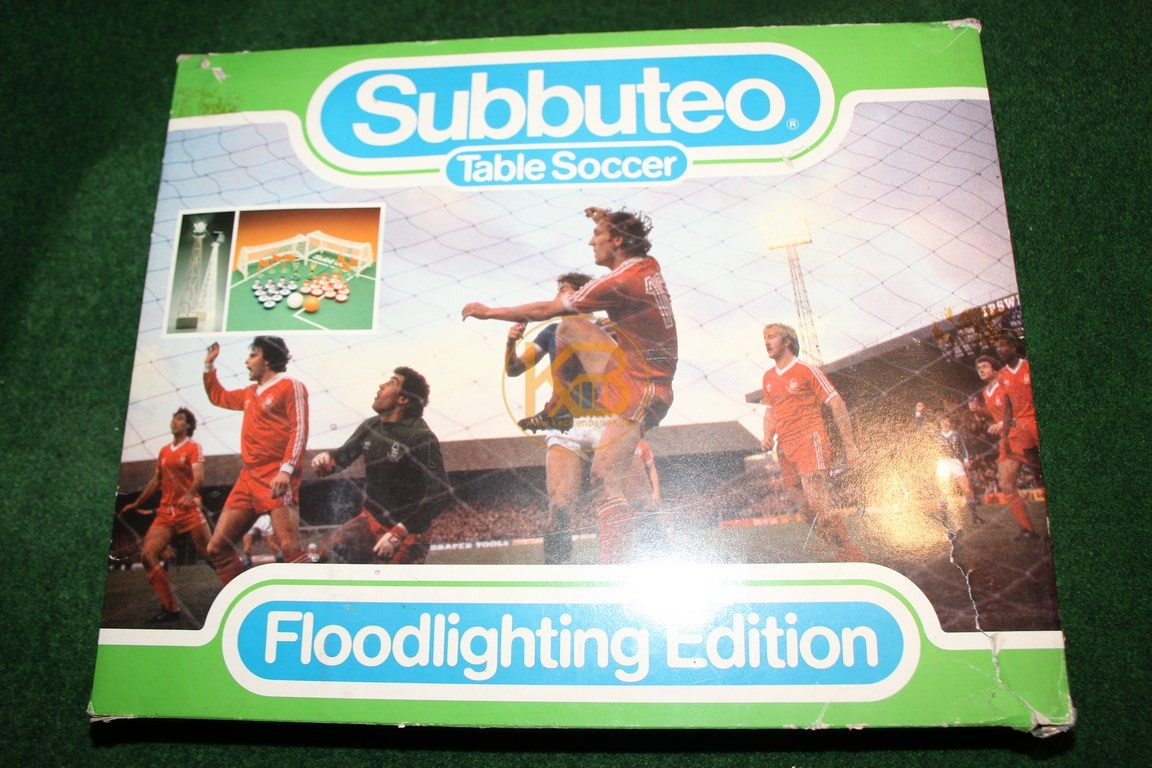 Subbuteo Table Soccer in der Flutlicht Edition aus den 1980ern.