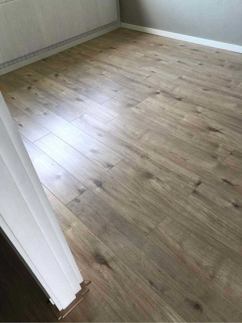 70 m² Achensee Eik + 50 m² Eurus Oak te Hellevoetsluis