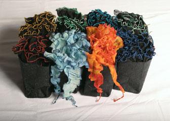 Kontraste - AK: Helaga Weilacher-Stieler -Textil, Schals