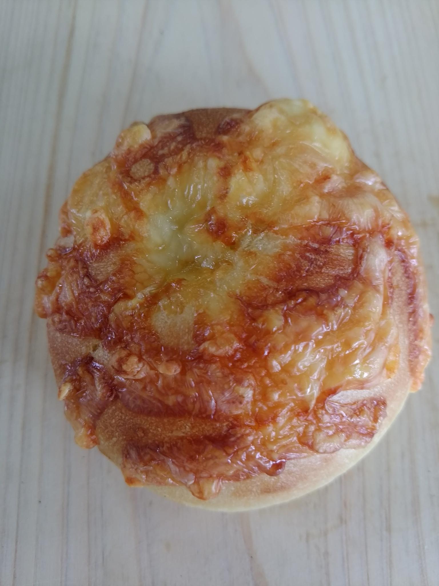 中津川 苗木 パン屋 パパン         ベーコンチーズベーグル 200円         無添加 中山道ハムのベーコン使用