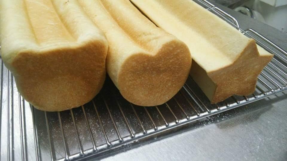 クマ形 ハート形 ほし形 食パン