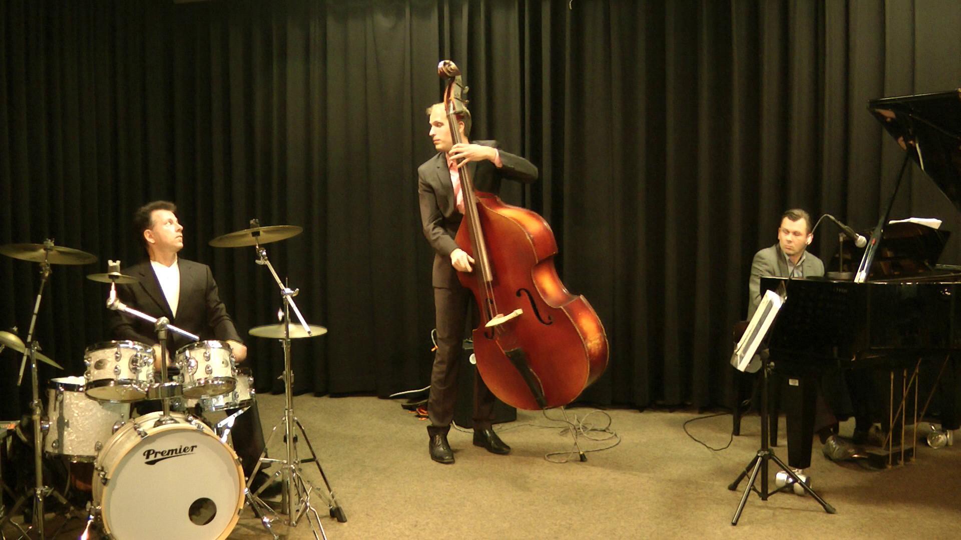 Mit dem Jazz Trio Collective, Hanau 2016