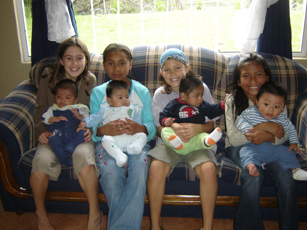 madi & brooke with angie and olga & the babies