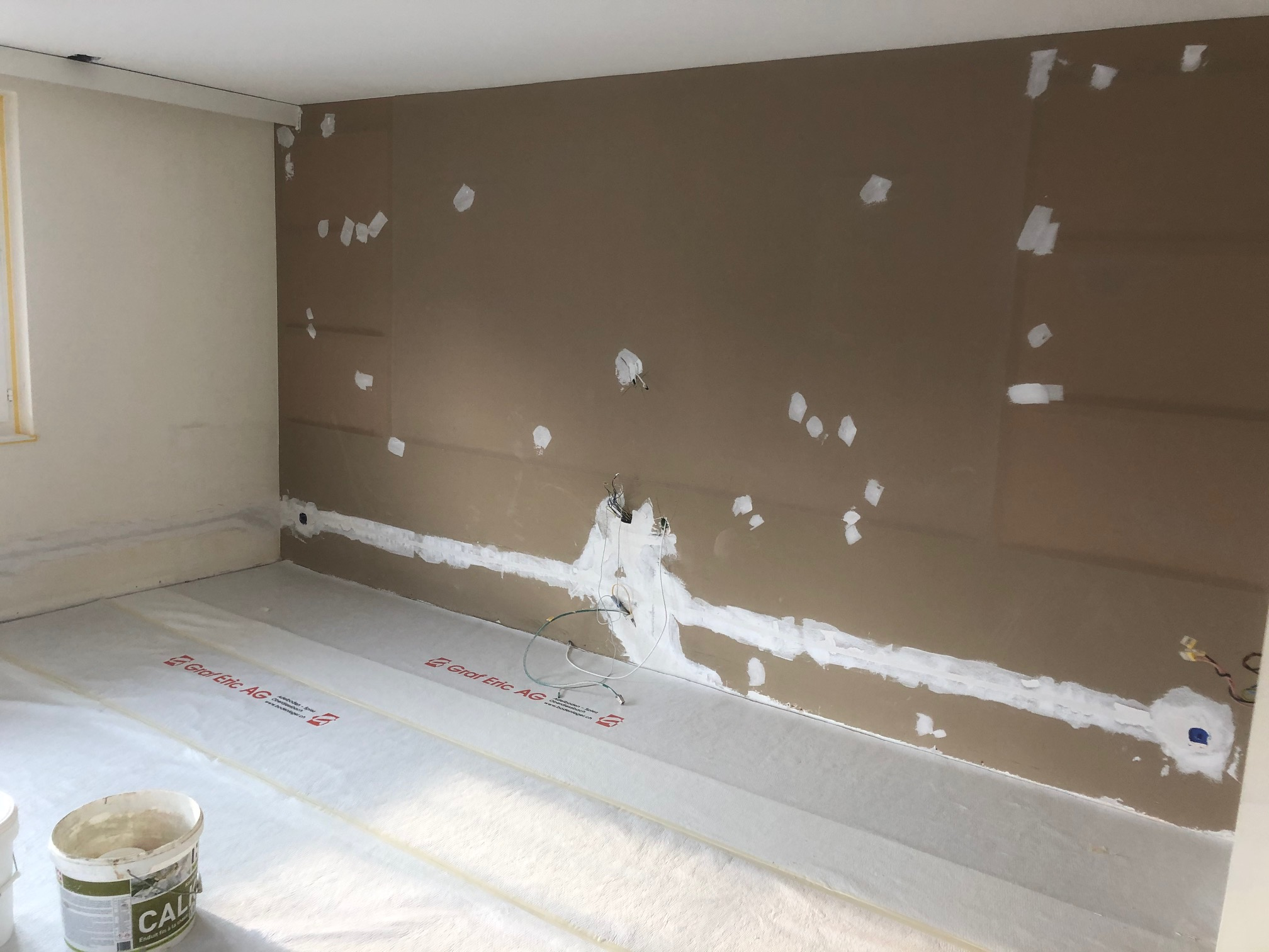 Ausflickarbeiten Zimmerrenovation