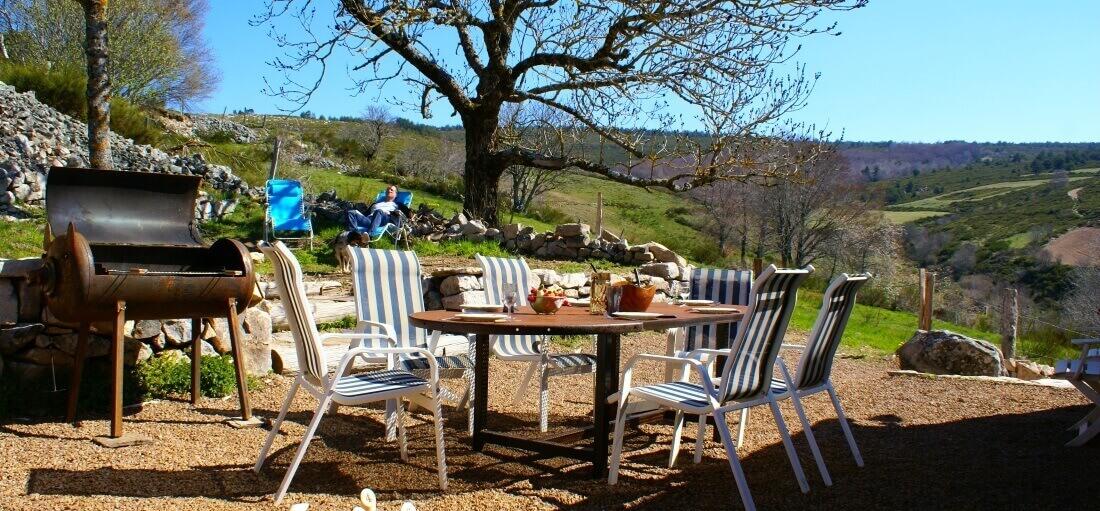 Terrasse et jardin avec accès aux espaces naturels