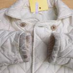 子どもジャケット 袖口がしみになっています。