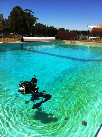 Discover Scuba Diving of Pool
