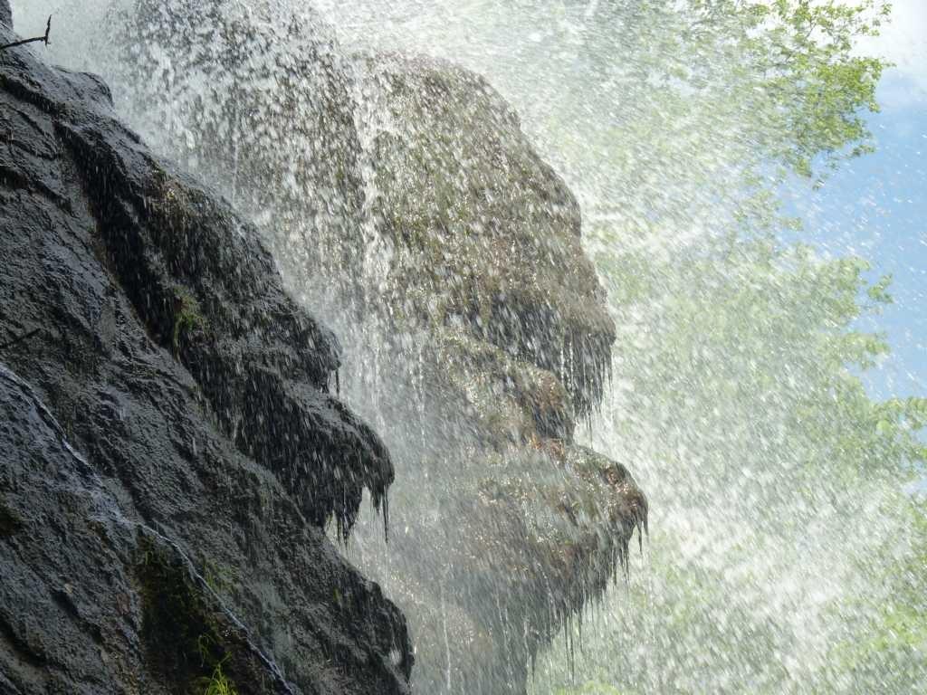 Regenbogen im Trusetaler Wasserfall