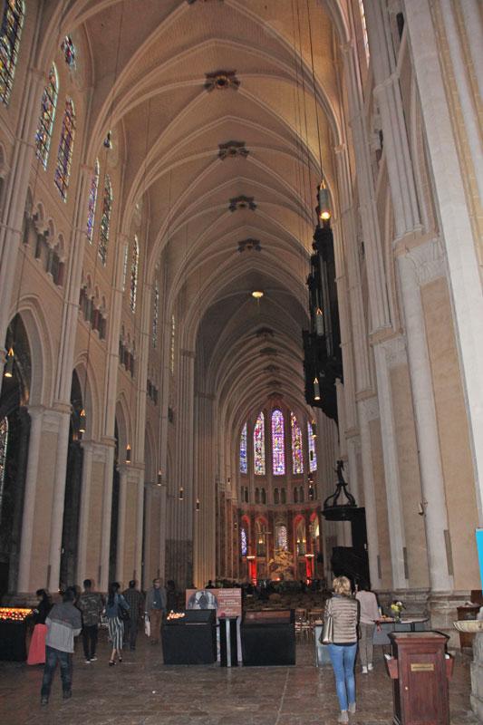 Bild 5 Kathedrale von innen in Chartres