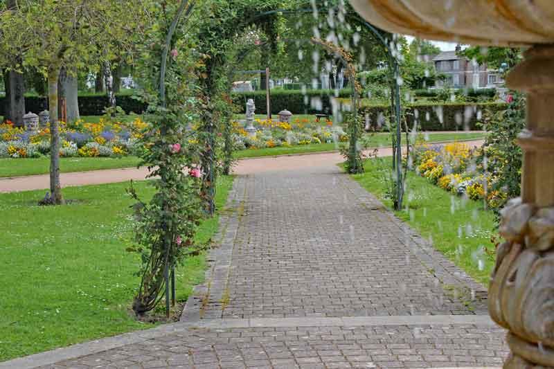 Bild 18 In einem Park in Honfleur.