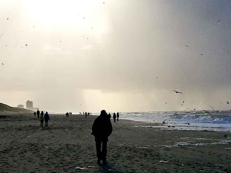 Bild 25 Über Westerland zieht eine dicke Wolke