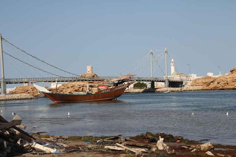 Bild 26 Blick aus der Schiffswerft in Sur.