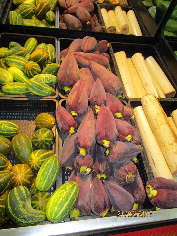 Bild 7 Obst und Gemüse in der Lulu Shopping Mall.