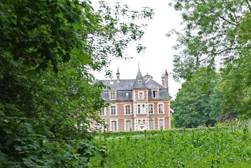 Bild 1 Das Chateaux de Behen von der Rückseite