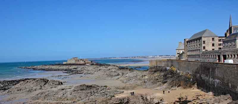 Bild 41 Rundweg um die Altstadt von St. Malo auf der Stadtmauer
