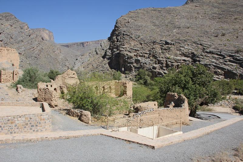 Bild 23 Alte verfallene, frei zugängliche Lehmstadt am Wadi Tanuf