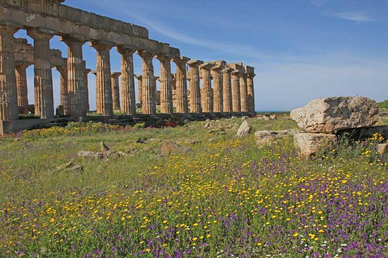 Blick auf die Tempelanlage in Selinunte