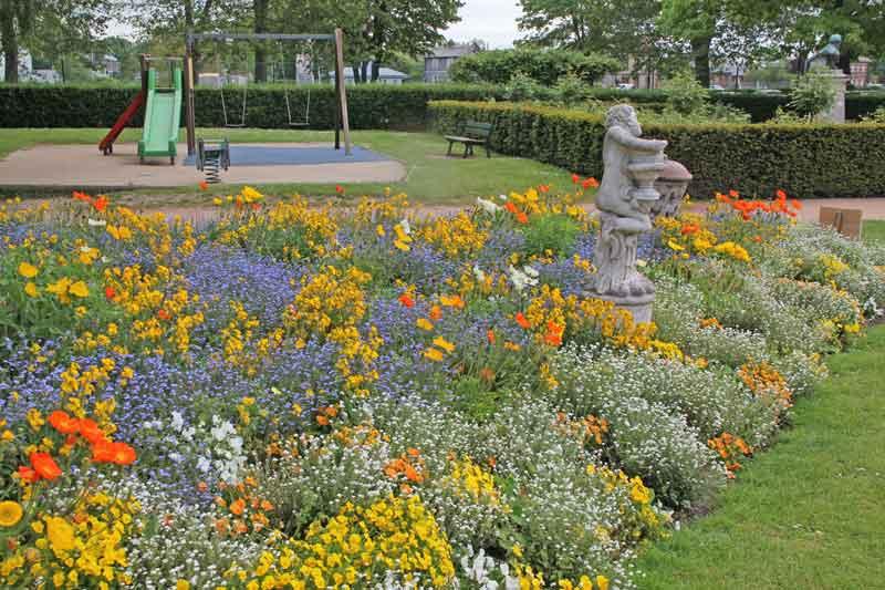 Bild 19 In einem Park in Honfleur.