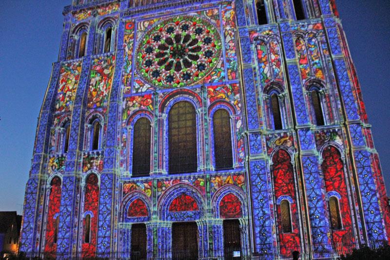 Bild 31 Lightshow auf der Kathedrale in Chartres