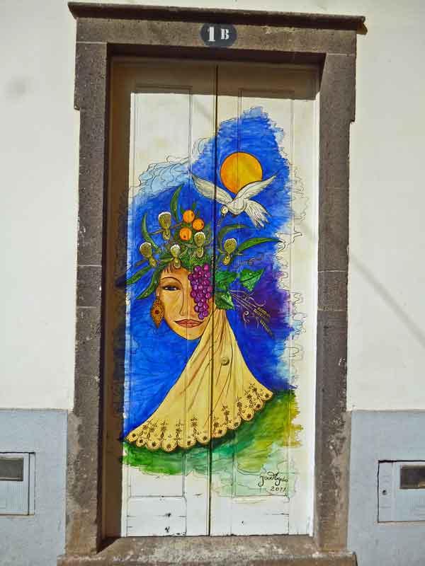 Bild 53 Tolle Haustürbemalungen in Funchal