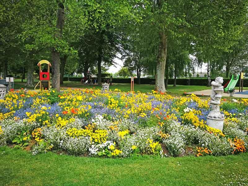 Bild 24 In einem Park in Honfleur.