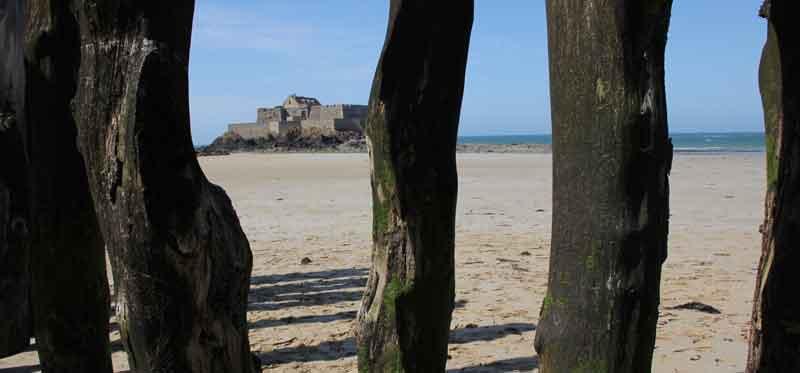 Bild 42 Rundweg um die Altstadt von St. Malo an der Stadtmauer