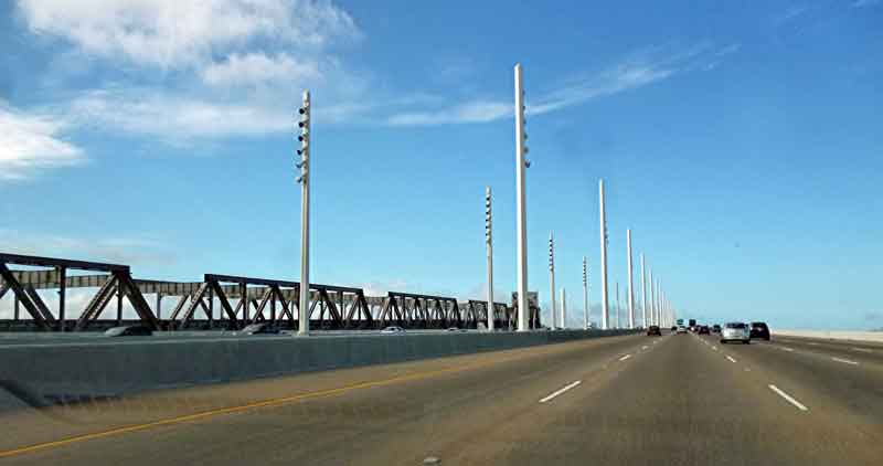 """Bild 4 Über die Bay Bridge geht es nach """"Down town"""" San Francisco"""