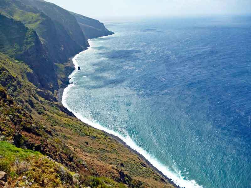 Bild 18 Tolle Ausblicke vom westlichsten Punkt Madeiras auf das Meer