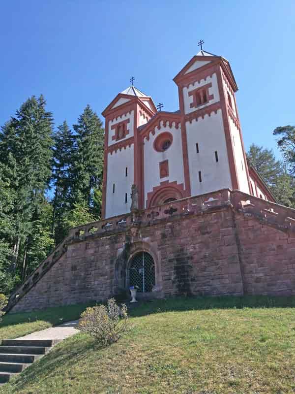 Bild 7 An der Gruftkapelle St. Maria in Mespelbrunn