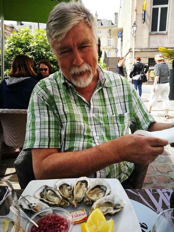 """Bild 32 Austern im Restaurant """"Le Garde Manger"""" in Bayeux"""