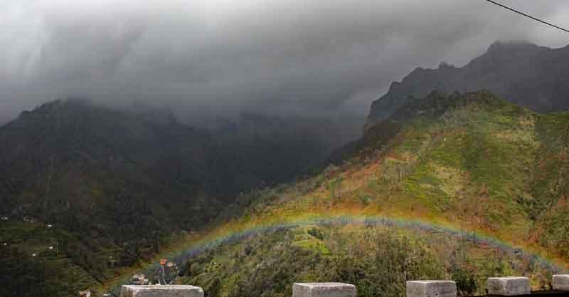 Bild 28 Regenbogen im Tal
