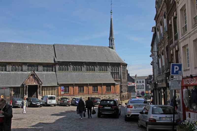 Bild 14 Blick auf Holzkirche St. Catrine in Honfleur.